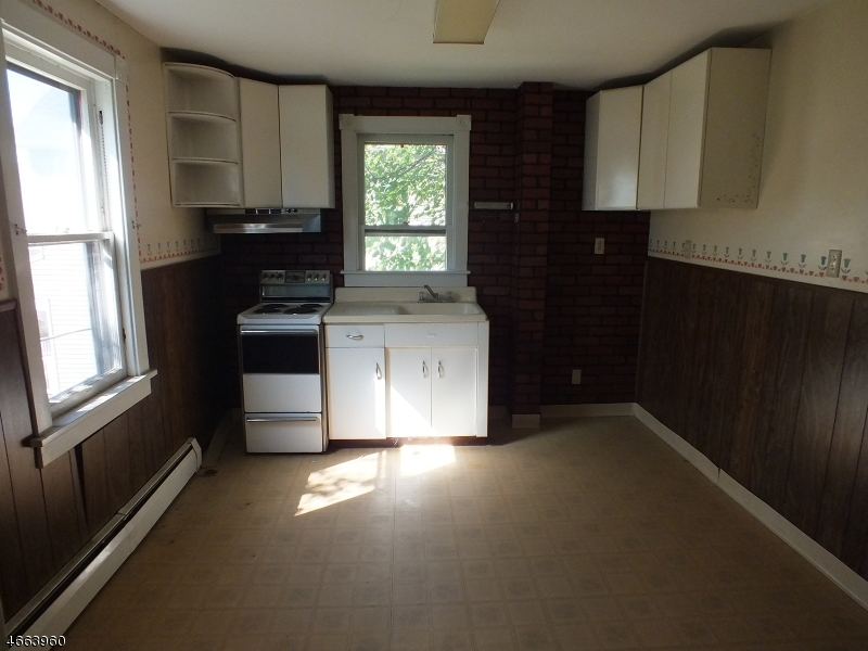 Additional photo for property listing at 402 Wilson Street  Phillipsburg, Нью-Джерси 08865 Соединенные Штаты