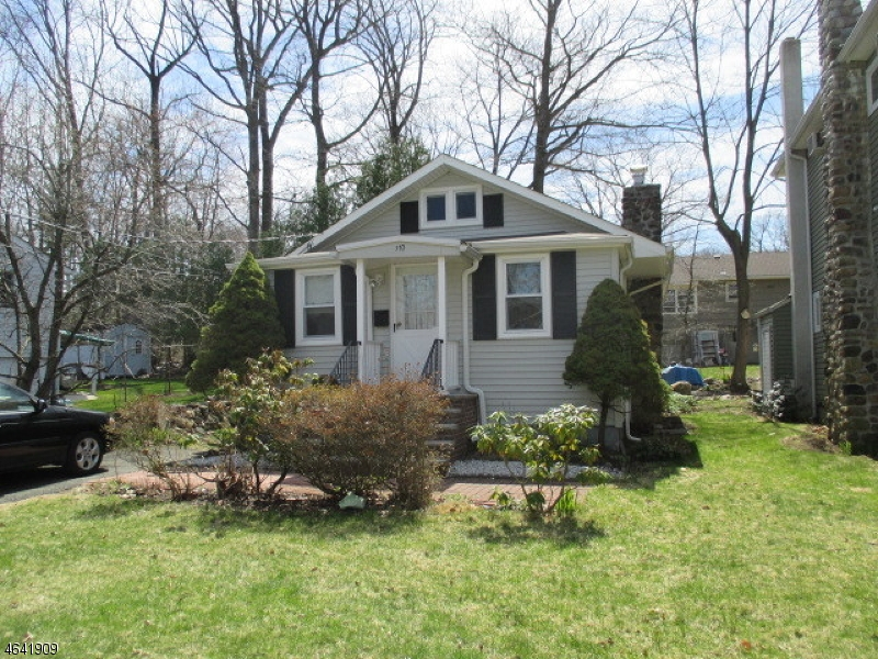 Single Family Home for Rent at 110 E Shore Road Denville, 07834 United States