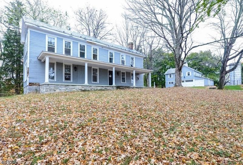 Частный односемейный дом для того Продажа на 141 Hope Road Blairstown, Нью-Джерси 07825 Соединенные Штаты