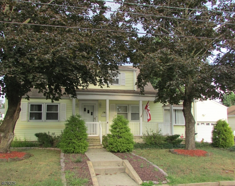 Maison unifamiliale pour l Vente à 141 S 20th Avenue Manville, New Jersey 08835 États-Unis