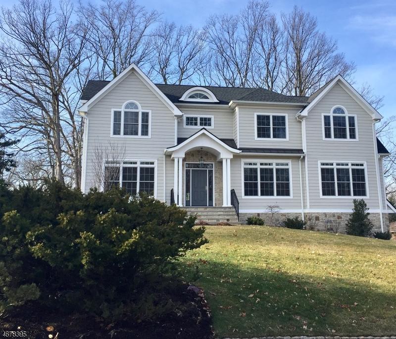 Частный односемейный дом для того Продажа на 15 Woodfern Road Summit, Нью-Джерси 07901 Соединенные Штаты