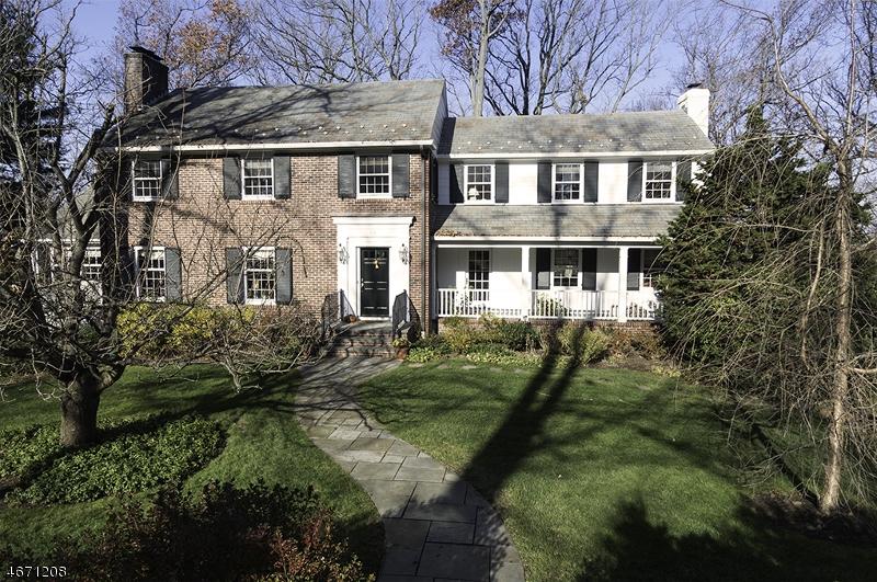 Частный односемейный дом для того Продажа на 25 Greenbriar Drive Summit, 07901 Соединенные Штаты