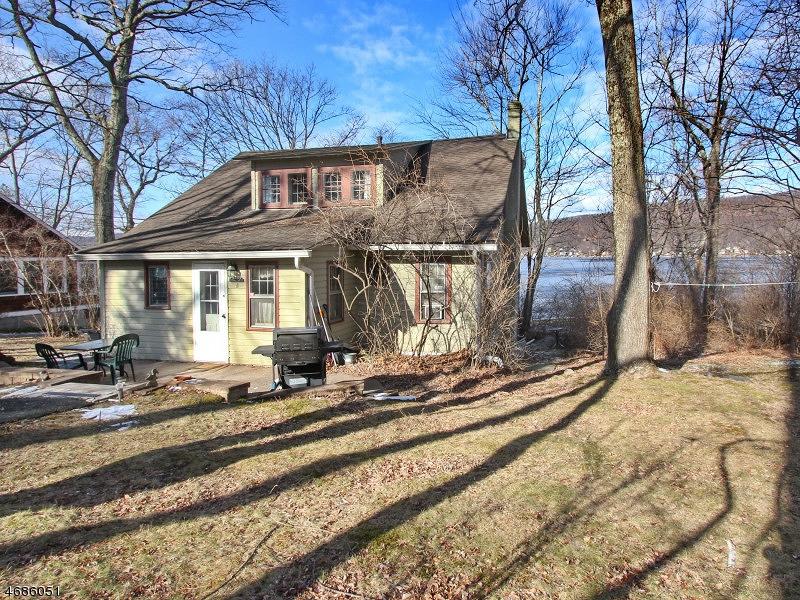 独户住宅 为 销售 在 152 E Shore Culver Road Branchville, 07826 美国