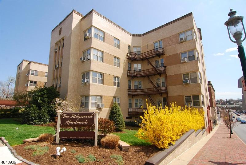 Maison unifamiliale pour l à louer à 10 N Ridgewood Road South Orange, New Jersey 07079 États-Unis