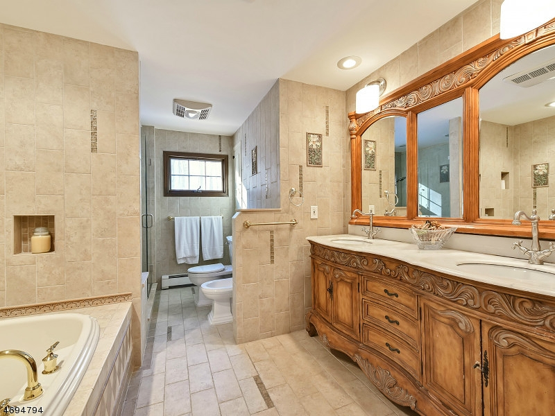 Additional photo for property listing at 36 Cheshire Lane  Ringwood, Nueva Jersey 07456 Estados Unidos