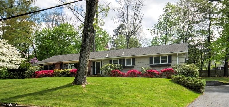 Μονοκατοικία για την Πώληση στο 34 Arcadia Road Allendale, Νιου Τζερσεϋ 07401 Ηνωμενεσ Πολιτειεσ