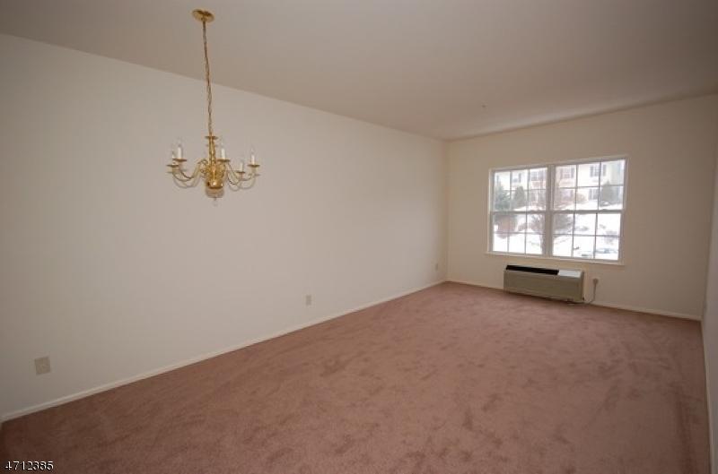 Maison unifamiliale pour l à louer à 5306 RICHMOND Road West Milford, New Jersey 07480 États-Unis