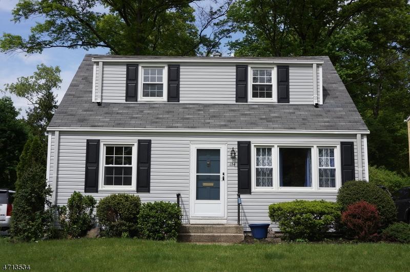 Casa Unifamiliar por un Alquiler en 174 Russell Road Fanwood, Nueva Jersey 07023 Estados Unidos