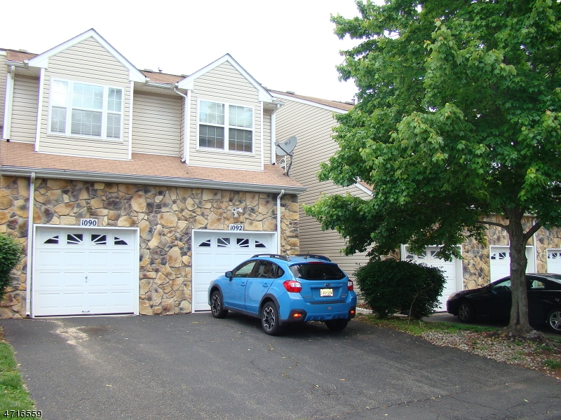 Single Family Home for Rent at 1092 Oakcroft Lane Franklin, New Jersey 08873 United States