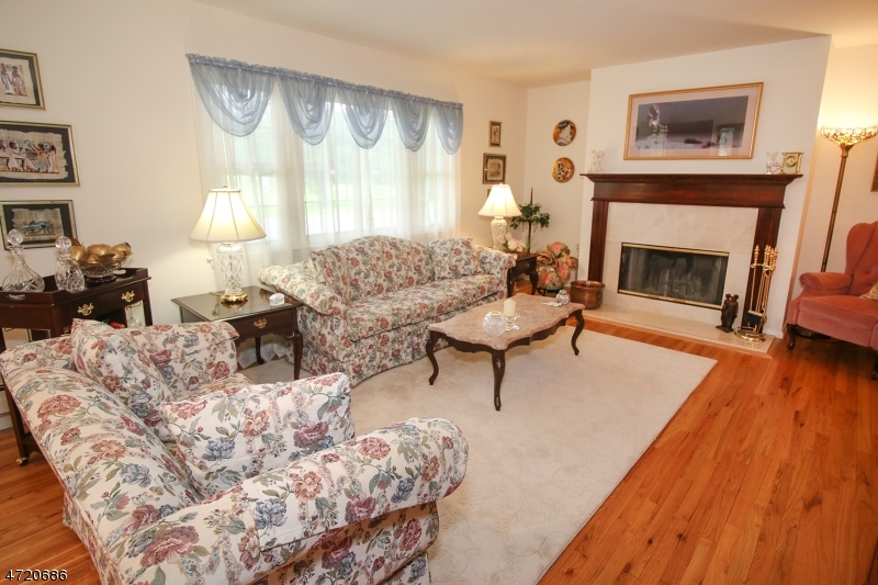 Additional photo for property listing at 486 Cedar Hill Avenue  Wyckoff, Nova Jersey 07481 Estados Unidos
