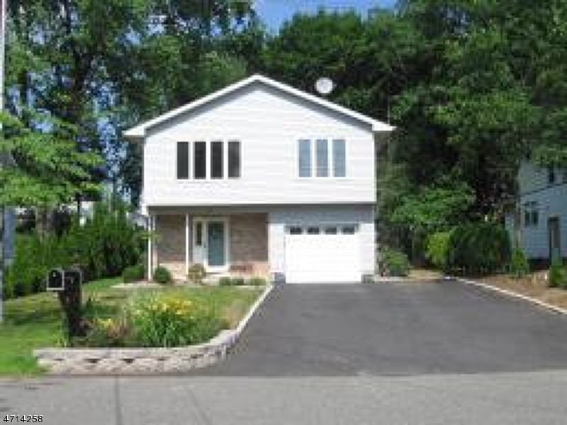 Casa Unifamiliar por un Alquiler en 26 Fulton Street Montville, Nueva Jersey 07045 Estados Unidos