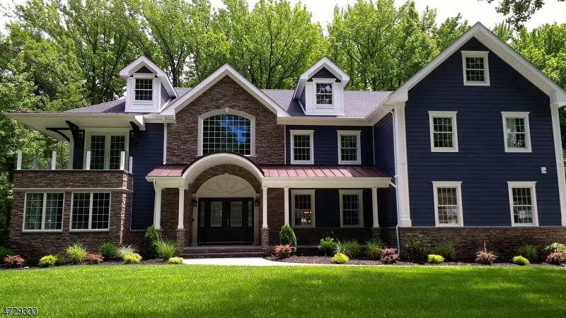 Maison unifamiliale pour l Vente à 2098 Dogwood Drive Scotch Plains, New Jersey 07076 États-Unis