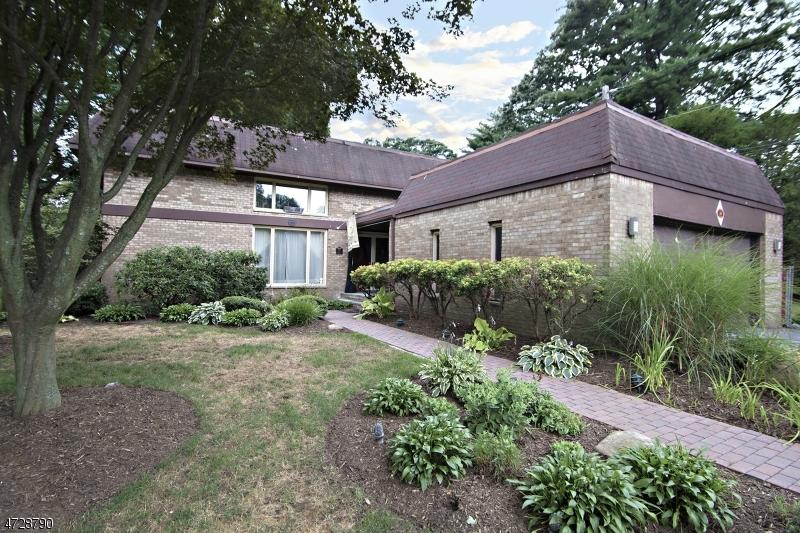 Частный односемейный дом для того Аренда на 24 Marston Place Montclair, Нью-Джерси 07042 Соединенные Штаты