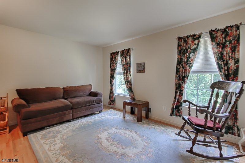 Additional photo for property listing at 22 Grace Valley Road  Butler, New Jersey 07405 Amerika Birleşik Devletleri