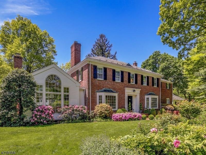 Maison unifamiliale pour l Vente à 148 Woodland Road 148 Woodland Road Madison, New Jersey 07940 États-Unis