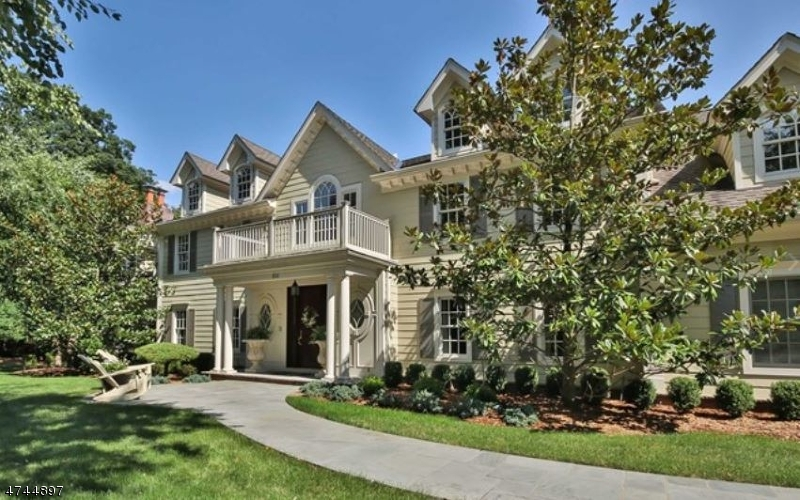 Single Family Home for Sale at 870 Ridge View Way Franklin Lakes, New Jersey 07417 United States