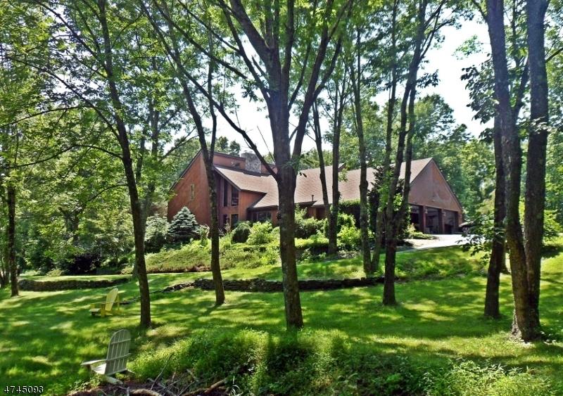Einfamilienhaus für Verkauf beim 193 Willows Road 193 Willows Road Fredon Township, New Jersey 07860 Vereinigte Staaten