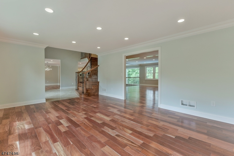 Additional photo for property listing at 106 Eileen Drive  Cedar Grove, New Jersey 07009 Hoa Kỳ