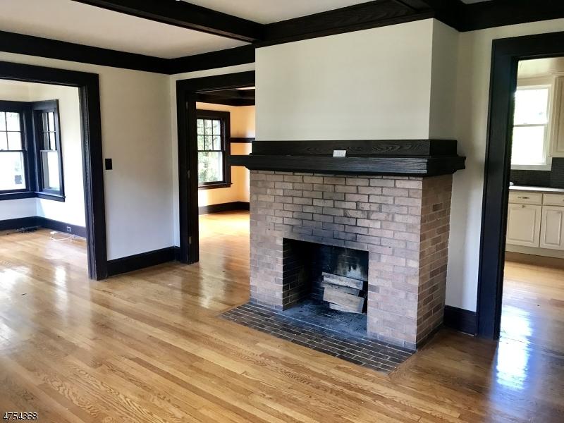 Maison unifamiliale pour l Vente à 36 Warren Street 36 Warren Street Bloomfield, New Jersey 07003 États-Unis