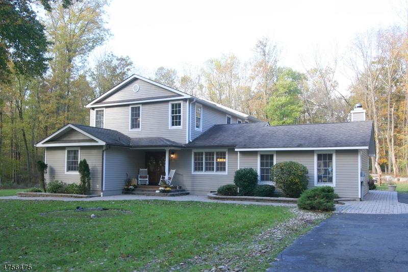 Casa Unifamiliar por un Venta en 172 Lindbergh Road East Amwell, Nueva Jersey 08525 Estados Unidos