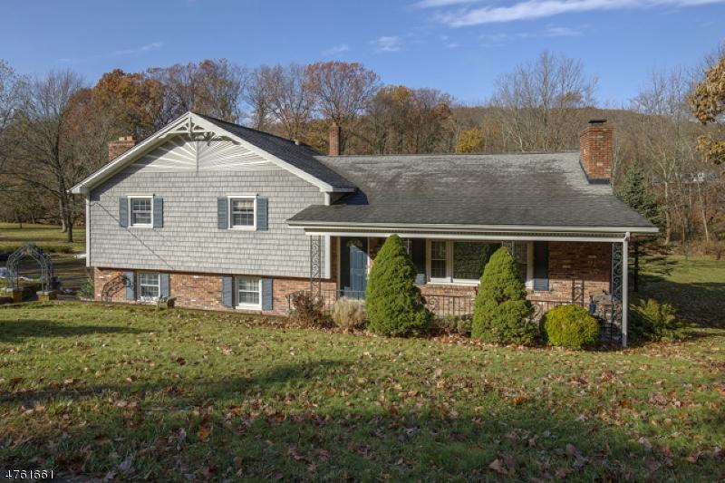 Частный односемейный дом для того Продажа на 135 Park Heights Avenue Dover Township, Нью-Джерси 07801 Соединенные Штаты