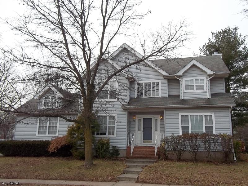 Частный односемейный дом для того Аренда на 78 Nostrand Road Hillsborough, Нью-Джерси 08844 Соединенные Штаты