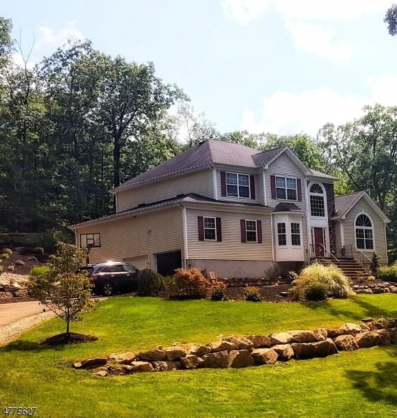 Einfamilienhaus für Verkauf beim 98A Andover Sparta Road 98A Andover Sparta Road Andover Township, New Jersey 07860 Vereinigte Staaten