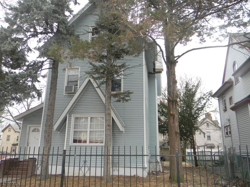 Maison unifamiliale pour l Vente à 104 Cleveland Street Orange, New Jersey 07050 États-Unis