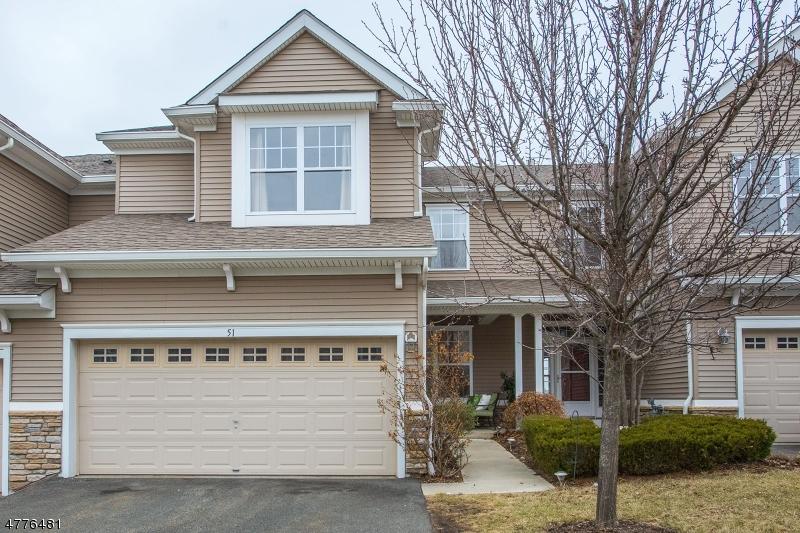 Maison unifamiliale pour l Vente à 51 Junegrass Way Allamuchy, New Jersey 07840 États-Unis