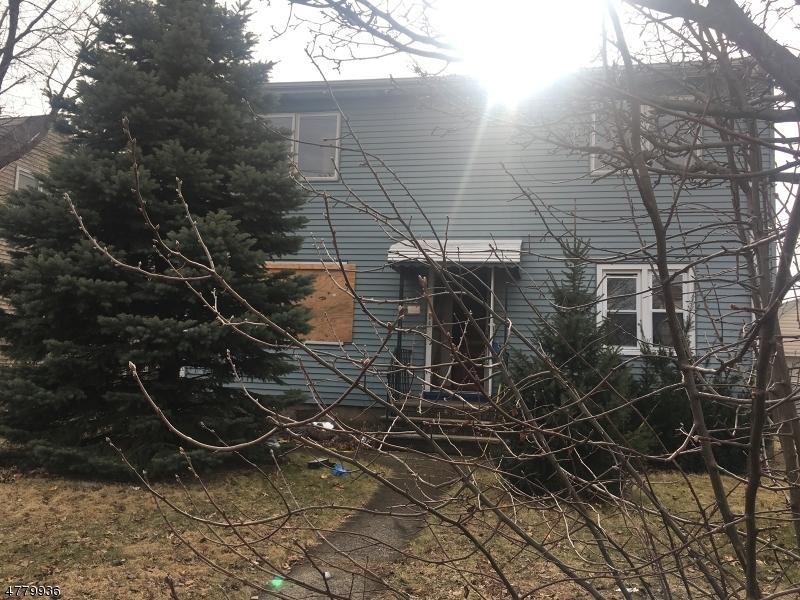 Maison avec plusieurs logements pour l Vente à 212 Charlton Avenue Lodi, New Jersey 07644 États-Unis