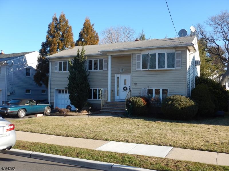 Частный односемейный дом для того Продажа на 120 Atkins Ter East Rutherford, Нью-Джерси 07073 Соединенные Штаты