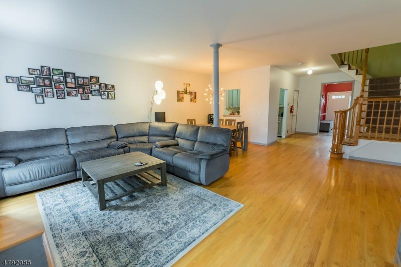 独户住宅 为 销售 在 965 Valley Street Union, 新泽西州 07088 美国