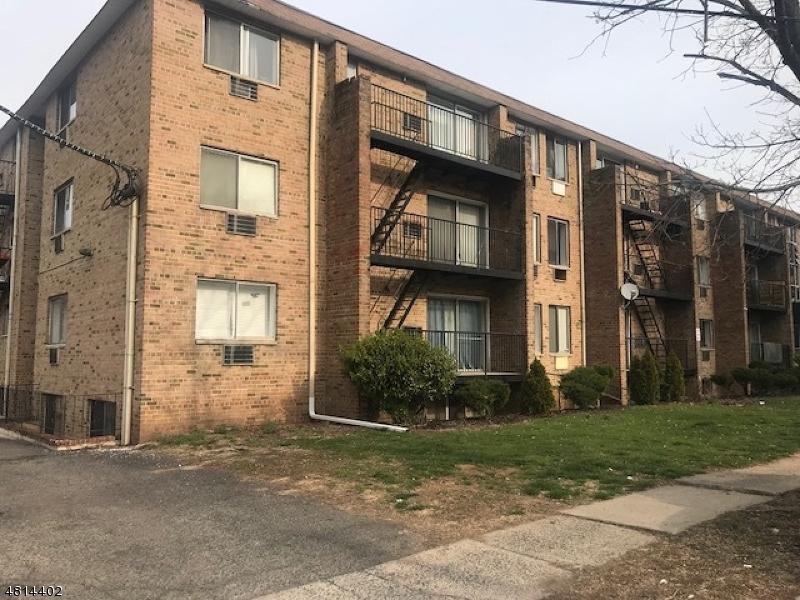 Condo / Townhouse pour l Vente à 765 Vose Ave C1 Orange, New Jersey 07050 États-Unis