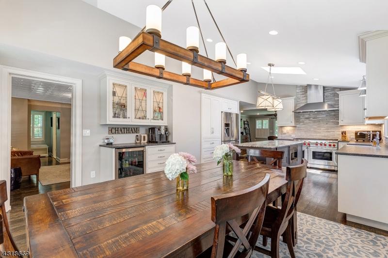 独户住宅 为 销售 在 68 KINGS Road 查塔姆, 新泽西州 07928 美国