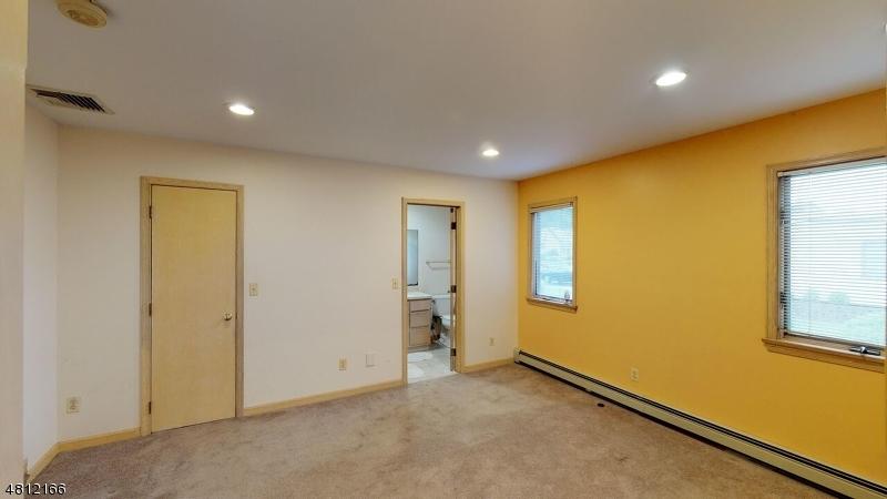 Additional photo for property listing at 102 W CENTRAL Avenue  Maywood, Нью-Джерси 07607 Соединенные Штаты