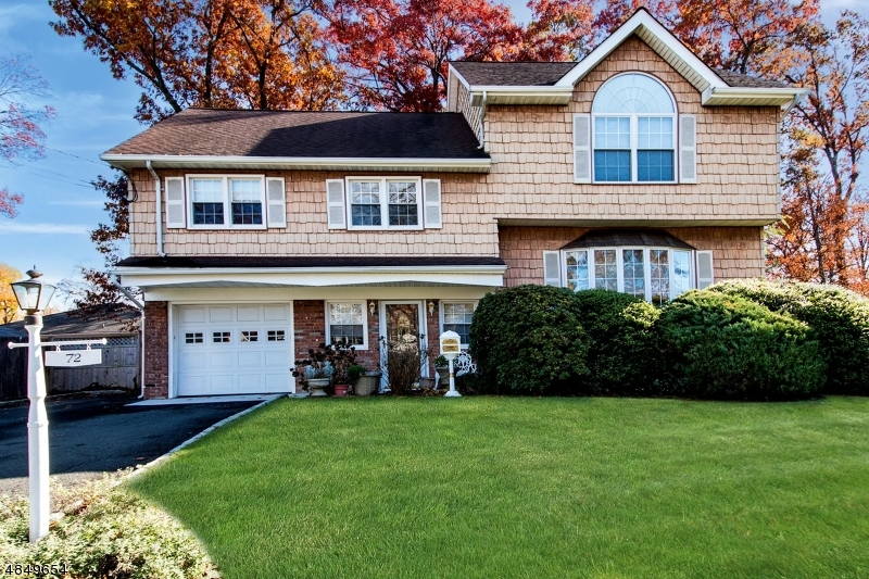 Single Family Home for Sale at 72 SHADY Lane Fanwood, New Jersey 07023 United States