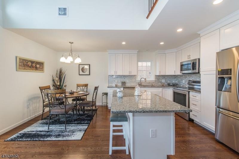 独户住宅 为 销售 在 540 HOWARD BLVD Jefferson Township, 新泽西州 07849 美国