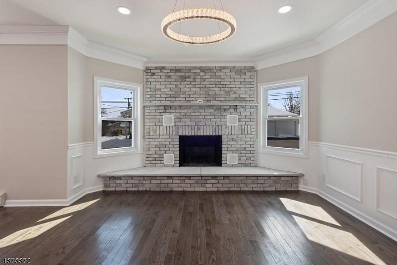 Частный односемейный дом для того Продажа на 330 W CLINTON Street Dover Township, Нью-Джерси 07801 Соединенные Штаты