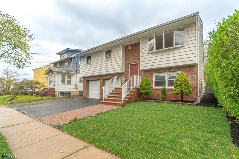Частный односемейный дом для того Продажа на Union, Нью-Джерси 07083 Соединенные Штаты