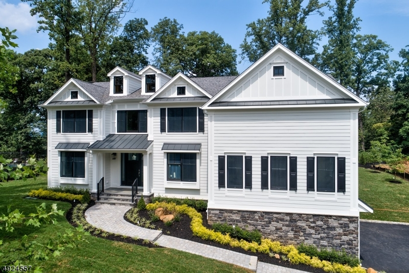Single Family Homes für Verkauf beim Chatham, New Jersey 07928 Vereinigte Staaten
