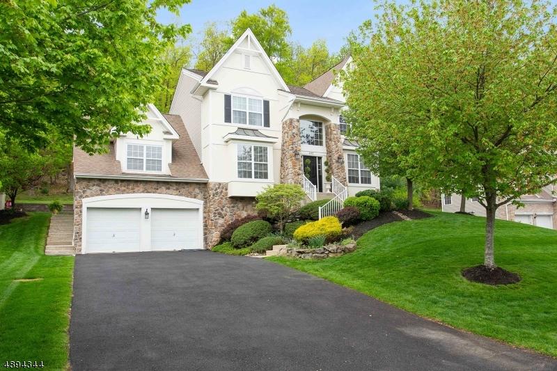 Single Family Homes für Verkauf beim Green Brook Township, New Jersey 08812 Vereinigte Staaten