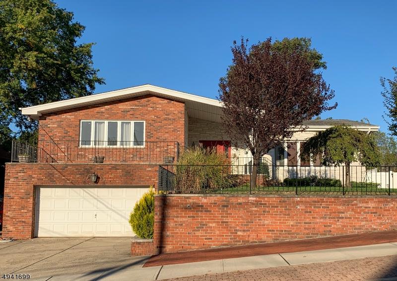 Single Family Homes por un Venta en Wood Ridge, Nueva Jersey 07075 Estados Unidos
