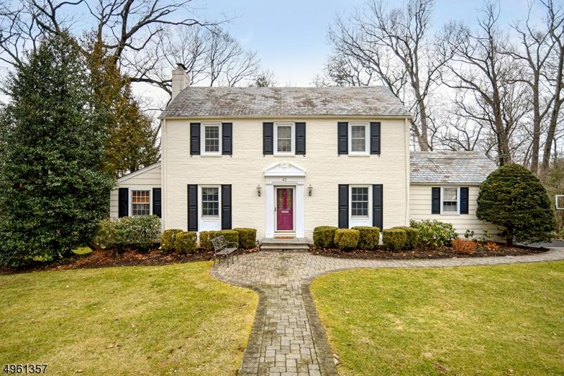 Single Family Homes للـ Sale في 42 OVERHILL Road New Providence, New Jersey 07901 United States