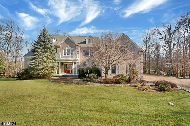 Single Family Homes per Vendita alle ore 21 WOLF HILL TER Bridgewater, New Jersey 08836 Stati Uniti
