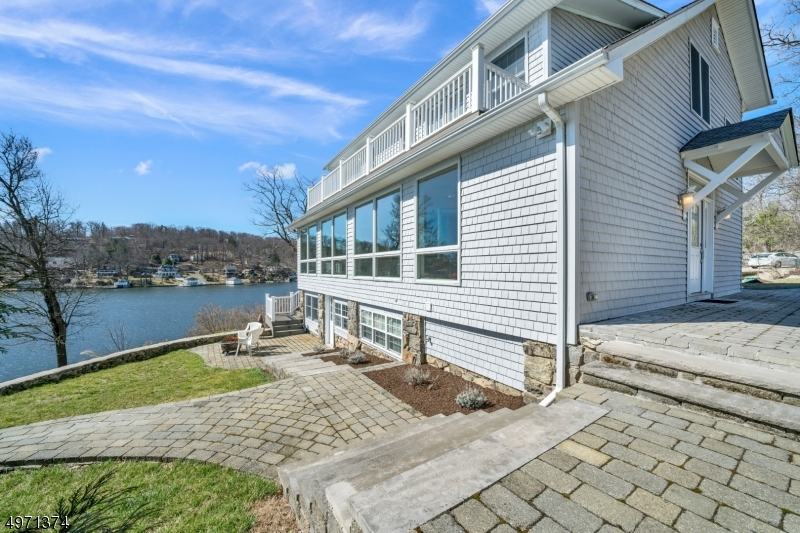 Single Family Homes vì Bán tại Hopatcong, New Jersey 07843 Hoa Kỳ