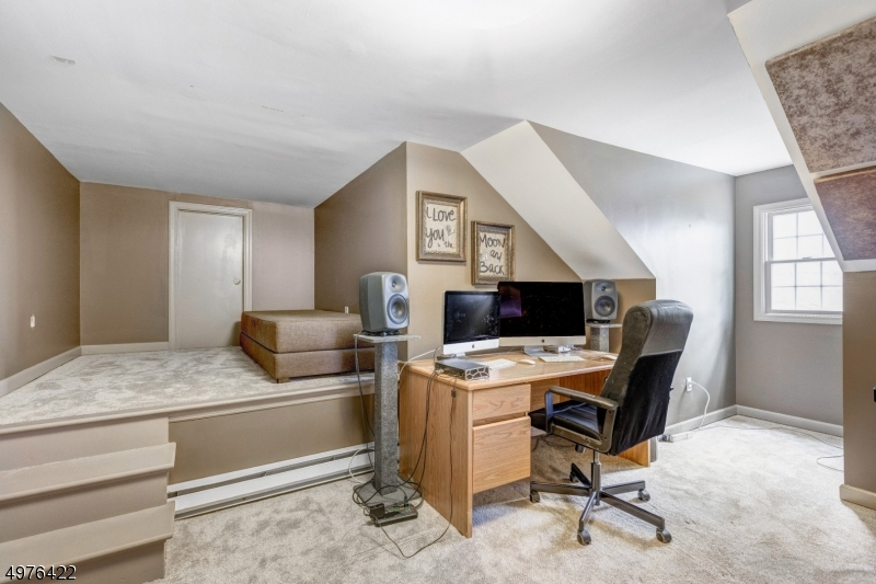 Additional photo for property listing at  Mountainside, 新泽西州 07092 美国