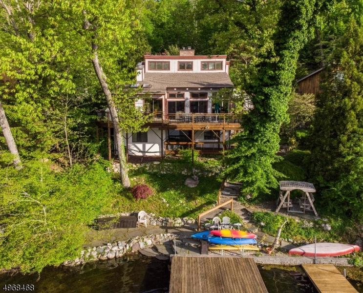 Single Family Homes 为 销售 在 Bloomingdale, 新泽西州 07403 美国