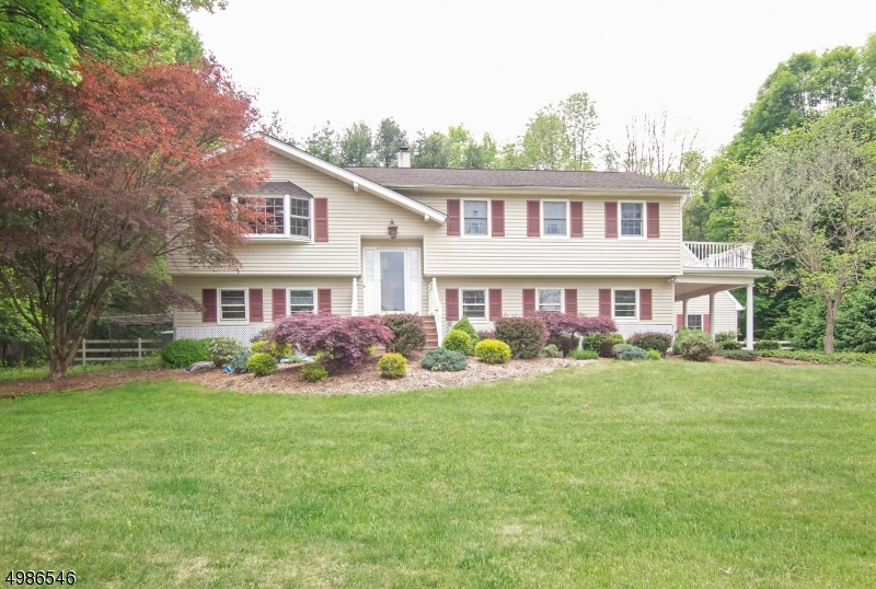 Single Family Homes için Satış at Mansfield, New Jersey 07863 Amerika Birleşik Devletleri