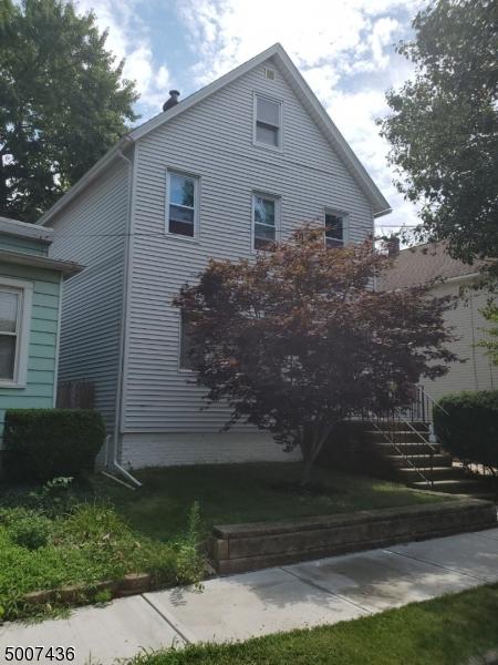 Single Family Homes 為 出售 在 Carteret, 新澤西州 07008 美國