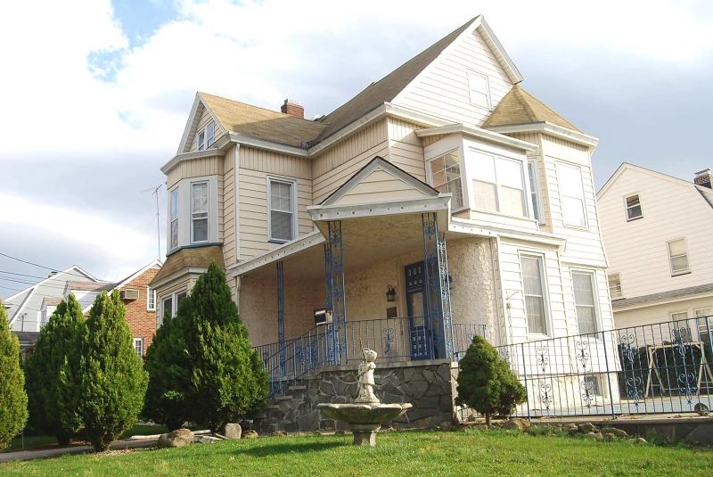 Casa Unifamiliar por un Venta en Address Not Available Kearny, Nueva Jersey 07032 Estados Unidos